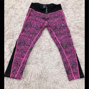 Ladies Nike DRI-FIT Crop athletic leggings SZ S
